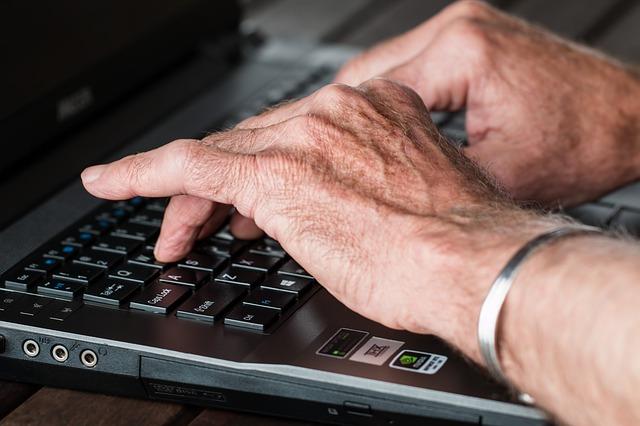 Informática para adultos, formación gratuita