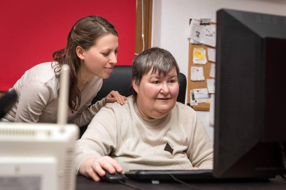 Sistemas informáticos que mejoran las habilidades de las personas con discapacidad